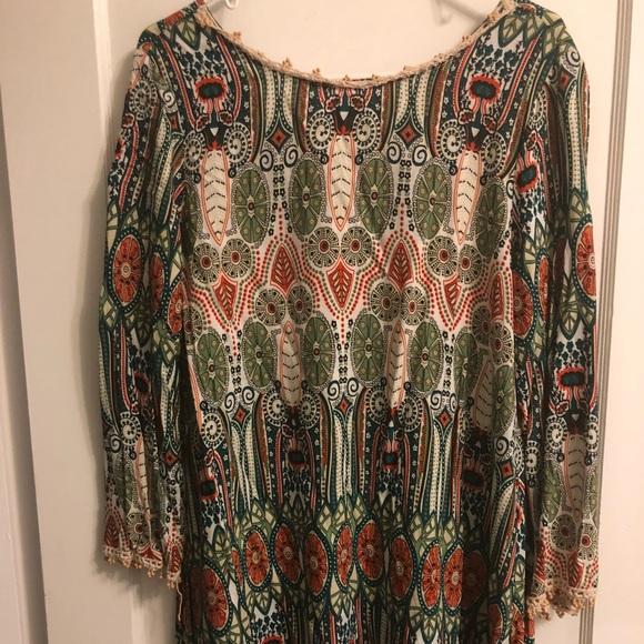 9b3f21e6b49 EUC SHEIN Aztec Print V Back Shift Dress